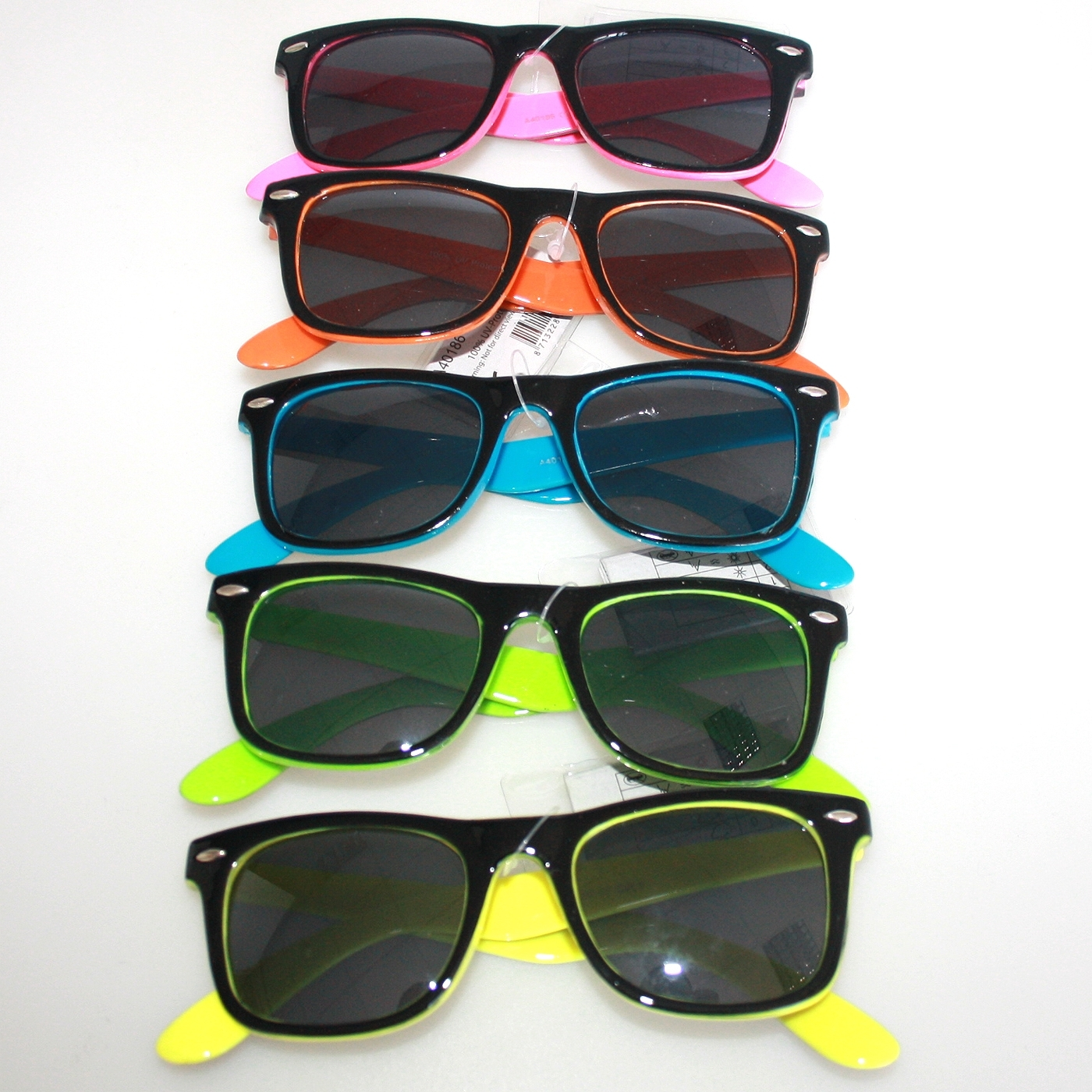 black ray ban style sunglasses  sunglass black/collor frame rayban style. loading zoom